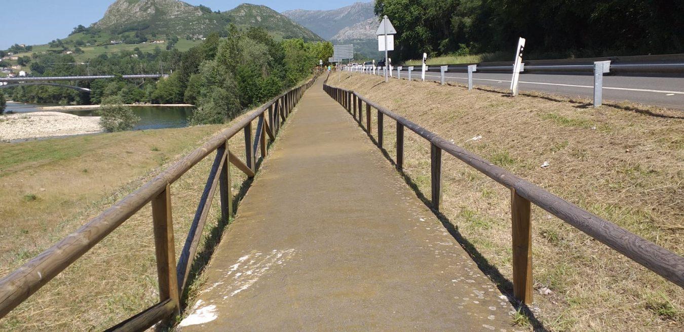 La Senda de Cascos vuelve a estar transitable tras proceder a su limpieza y desbroce