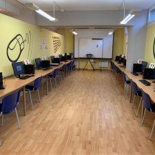 Ribadesella habilita el Telecentro para que los estudiantes puedan hacer exámenes online