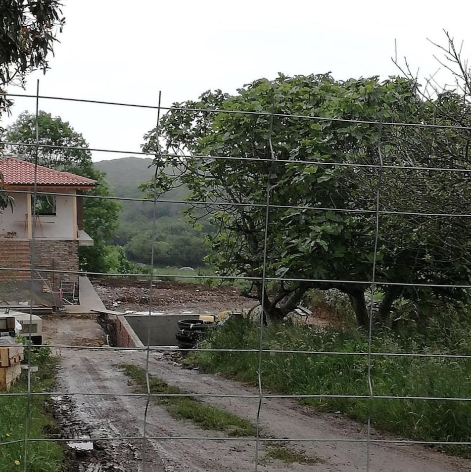 El concejo de Llanes sigue sin librarse de las polémicas urbanísticas. La última en Villanueva de Pría