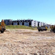 El Ayuntamiento de Llanes habilita un aparcamiento disuasorio en la zona de La Talá