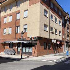 Parres peatonaliza dos calles y una plaza para que la hostelería pueda ampliar sus terrazas hasta el 31 de octubre