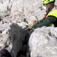La Guardia Civil retira una roca de gran tamaño en el Picu Urriellu que estaba a punto de desprenderse