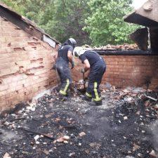 Un incendio calcina parte de un hotel rural en Llanes