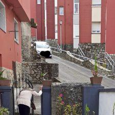 El riosellano barrio de La Cuesta reclama mayor control sobre la seguridad vial