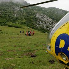 Auxiliado un chaval de 19 años que se fracturó el peroné en el Picu Pienzu (Parres)