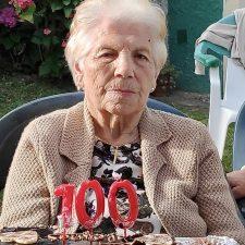 La riosellana Angeles Junco cumple 100 años rodeada de toda su familia