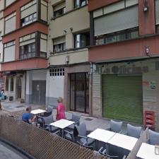 Los hosteleros de la calle Los Castaños de Arriondas también piden poder ampliar sus terrazas