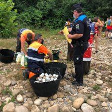 Cangas de Onís sigue persiguiendo y clausurando los chiringuitos ilegales del río Sella