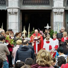José Ramón Fernández Abad se hace cargo de todas las parroquias del concejo de Ribadesella e incorpora a un ayudante