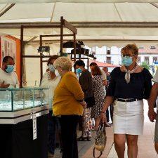 Seis artesanos del mejor azabache del mundo muestran sus creaciones en Ribadesella