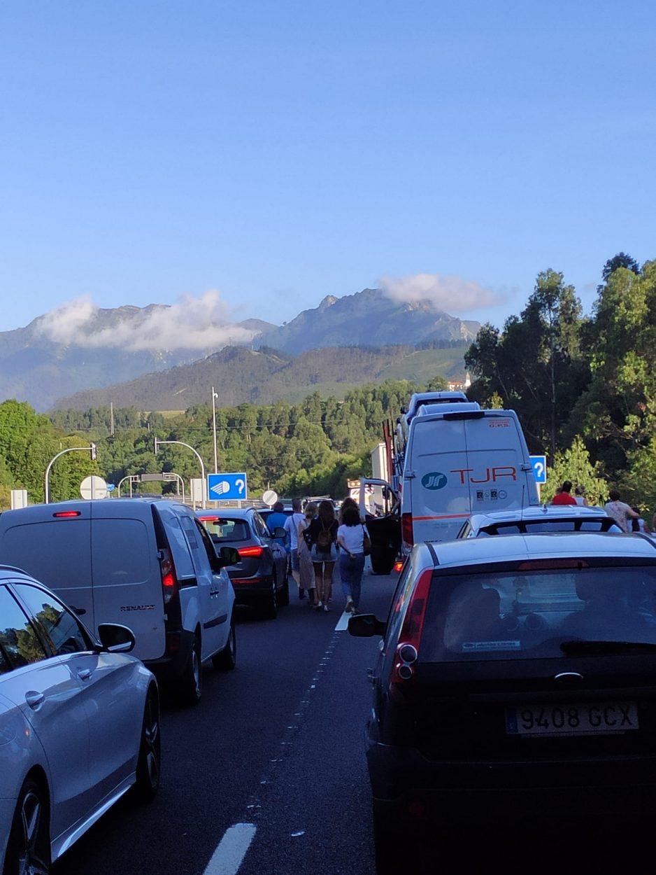 Cortan la autovía a la altura de Ribadesella ante la presunta presencia de un kamikaze