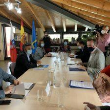 El Consejero de Medio Rural cree que el lobo es la punta del iceberg de los problemas de rentabilidad que tiene el campo asturiano