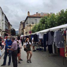 El Ayuntamiento de Ribadesella suspende el mercado semanal de este miércoles para evitar aglomeraciones