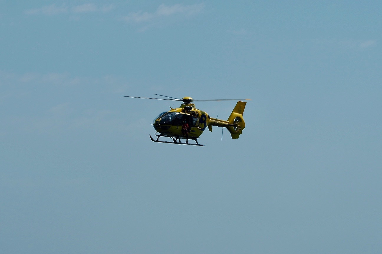 Evacuado al HUCA un motorista accidentado en la N-625 a la altura de Oseja de Sajambre