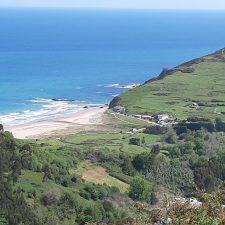 La riosellana playa de Vega acogerá un ejercicio de salvamento con helicóptero el lunes 10 de agosto