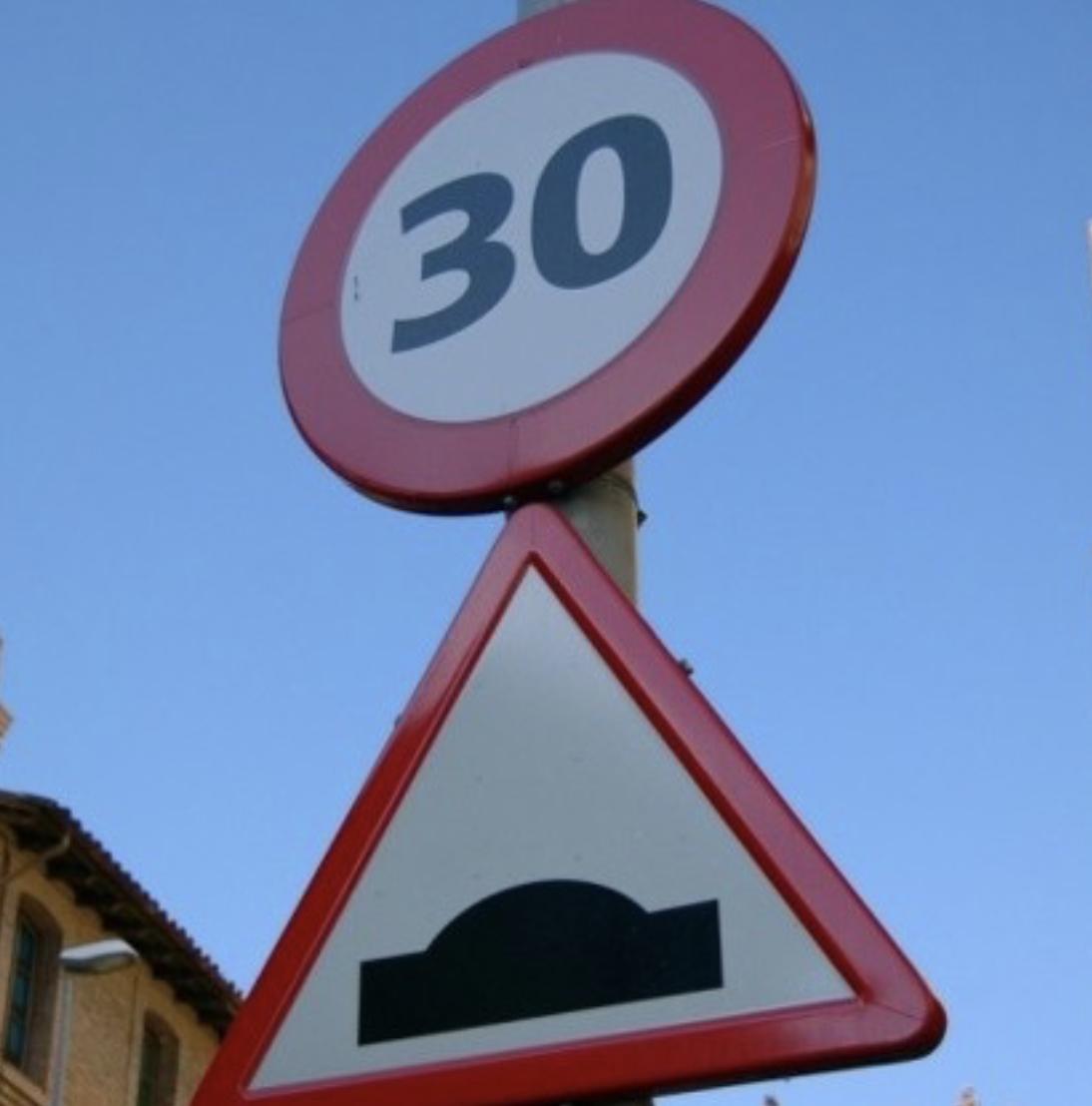 El Ayuntamiento de Llanes instalará dos reductores de velocidad en el centro de Hontoria