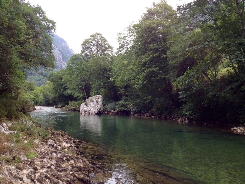 Una menor muere ahogada en el Cares cuando bajaba el río en una excursión en canoa
