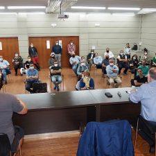 Ayuntamiento y empresarios de Ribadesella se unen para recurrir la polémica sentencia de las terrazas