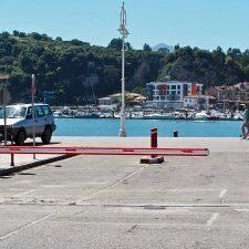 El puerto pesquero de Ribadesella estrena nueva barrera automática para controlar el acceso de vehículos
