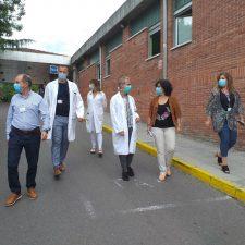 El Hospital de Arriondas le hace la prueba PCR a los 48 pacientes ingresados y a todo el personal activo
