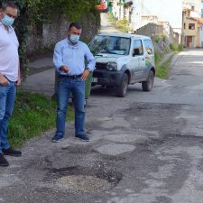 Llanes pide la urgente reparación de 11 tramos de carreteras autonómicas totalmente abandonados