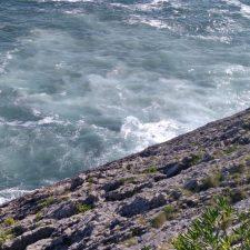Denuncian nuevos vertidos al mar de aguas fecales procedentes de la EDAR de Llanes