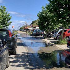 Y para colmo, en Ribadesella…fuga de agua en el paseo marítimo de Vega
