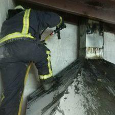 Un incendio calcina la parrilla de un restaurante en Pimiangu (Ribadedeva)