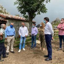Mallada dice en Cangas de Onís que el actual plan de gestión del lobo resulta inútil