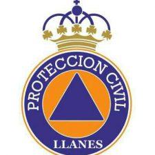 Homenaje de Llanes a la agrupación de voluntarios de Protección Civil en el día de la patrona