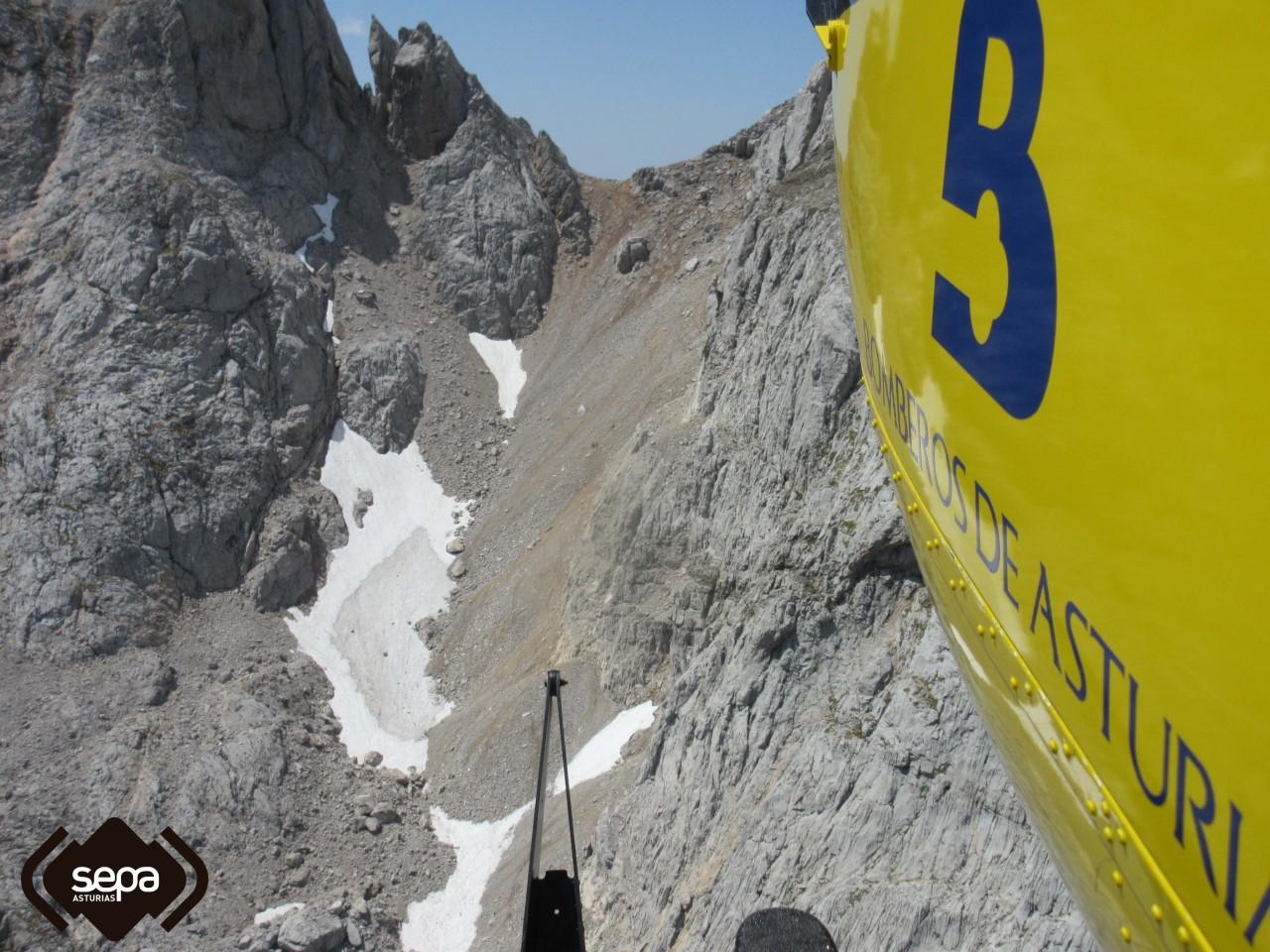 Rescatado un menor que sufrió una caída en los Picos de Europa y se fracturó el peroné