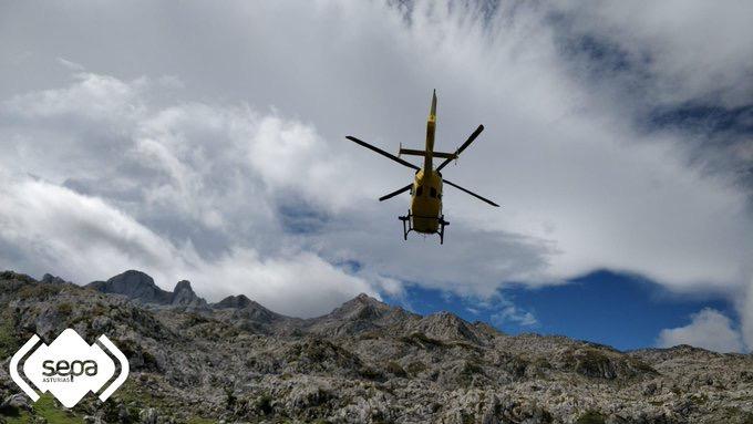 Un cazador de 47 años fallece en Llanes al sufrir un infarto y un senderista es rescatado en Onís tras sufrir una caída