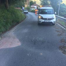 Un tercer hundimiento obliga a cortar la carretera PR-5 que une Arriondas con Cangas de Onís