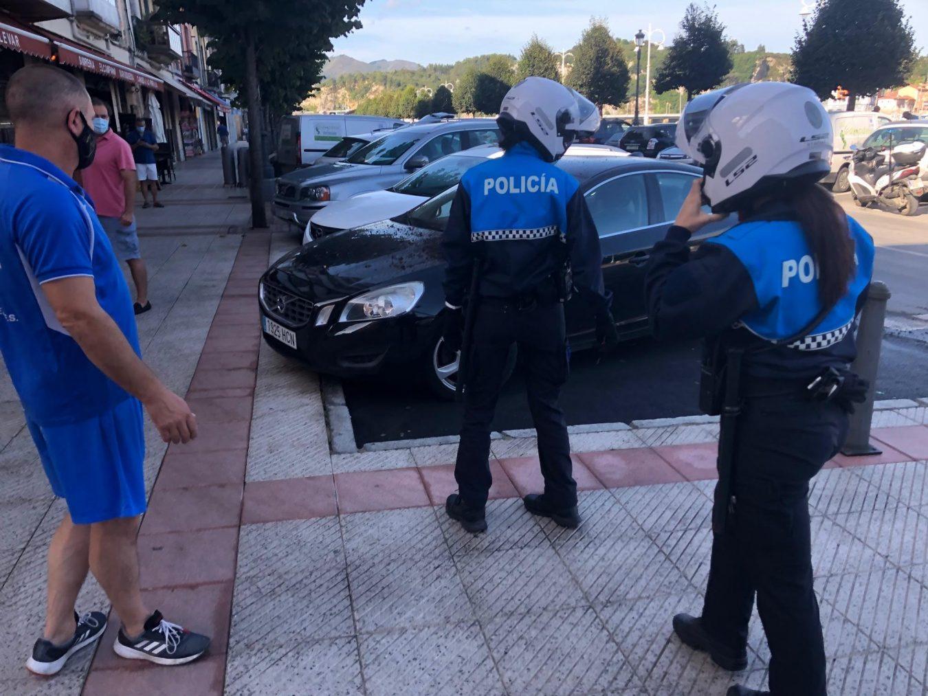 Vuelve el vandalismo nocturno a la villa de Ribadesella después de un fin de semana de tregua