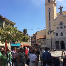 Las visitas turísticas de Ribadesella se mantienen viento en popa y a toda vela en este verano de la pandemia