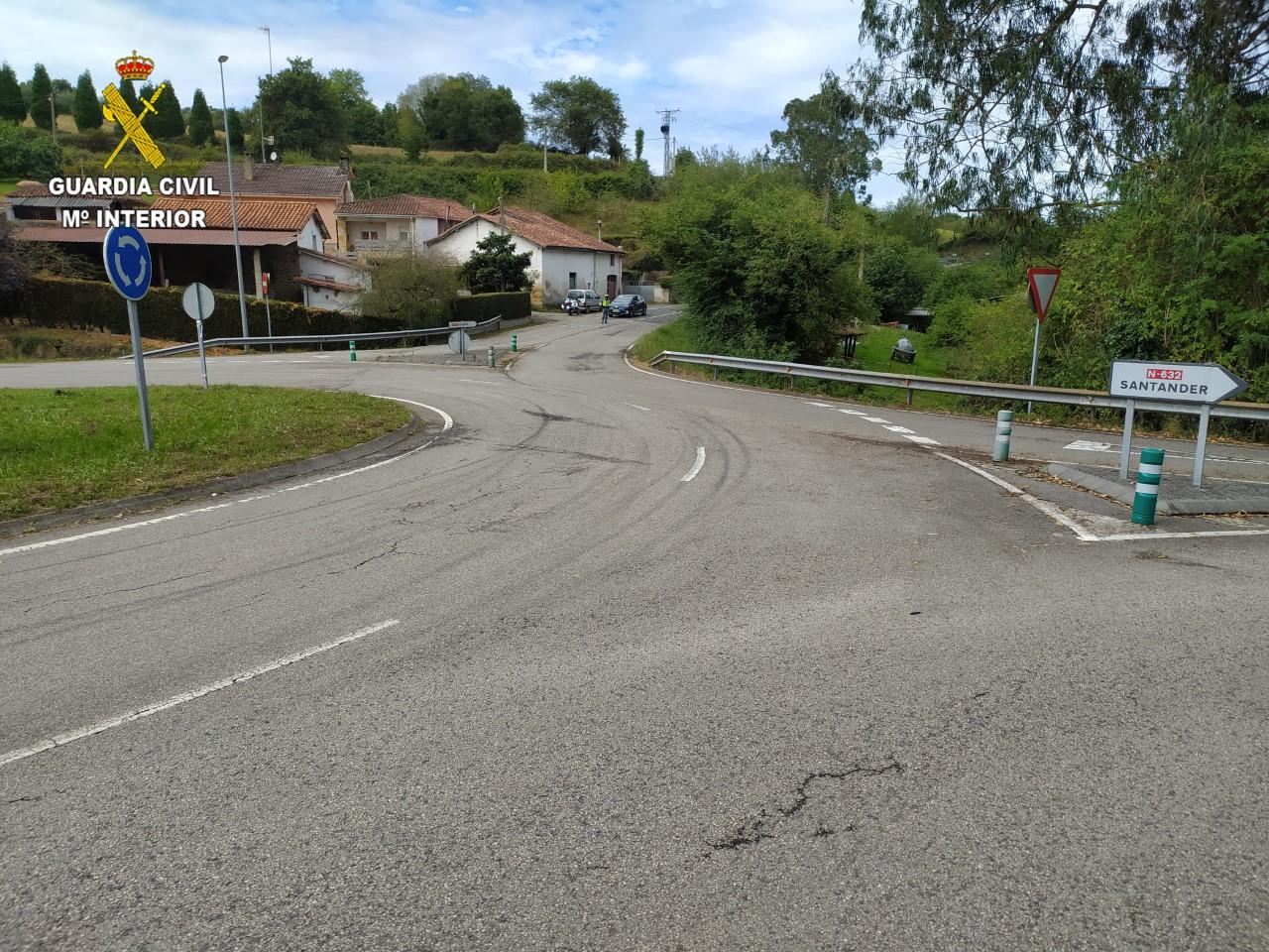 La Guardia Civil evita una carrera ilegal de vehículos en la carretera N-632