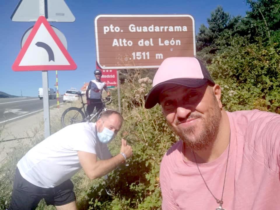 La primera etapa de El Reto de Diego se completa con éxito camino de Los Lagos de Covadonga