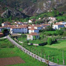 Adjudicada la instalación de 14 nuevos puntos de luz en el pueblo de La Borbolla (Llanes)
