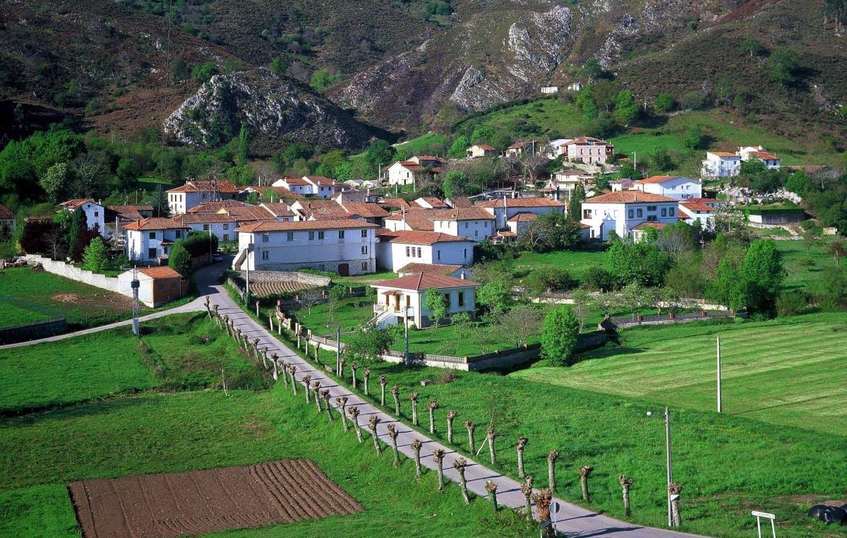 El lunes se retoma la línea regular de autobuses que une Llanes con Arenas de Cabrales a través de La Borbolla