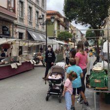El Ayuntamiento de Ribadesella vuelve a suspender el mercado de los miércoles, esta vez debido a la alerta naranja