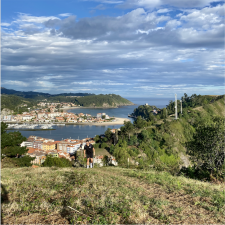 Empresarios de Cangas de Onís y Ribadesella difieren sobre la implantación de la ecotasa turística