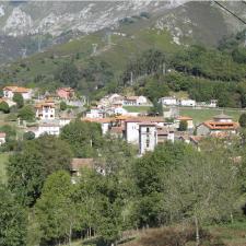 El Principado destina 925.000 euros al saneamiento de Alles y Ruenes en Peñamellera Alta