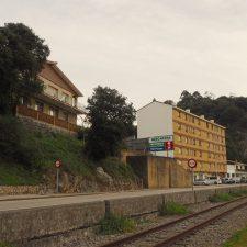 ADIF impide habilitar dos pasos de peatones en El Pochacu de Ribadesella