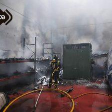 Sofocado el incendio que se originó en una nave industrial del concejo de Parres