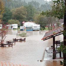 La primera borrasca del otoño causa inundaciones y argayos de todo tipo en Ribadesella