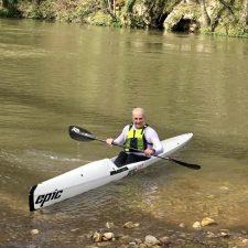 Maxi Llamedo completa 90 descensos por el río Sella en homenaje a las gentes de este piragüero río