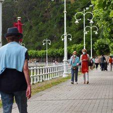 Ribadesella registra un aumento de multas por no usar mascarilla y fumar en la calle sin guardar la distancia de seguridad