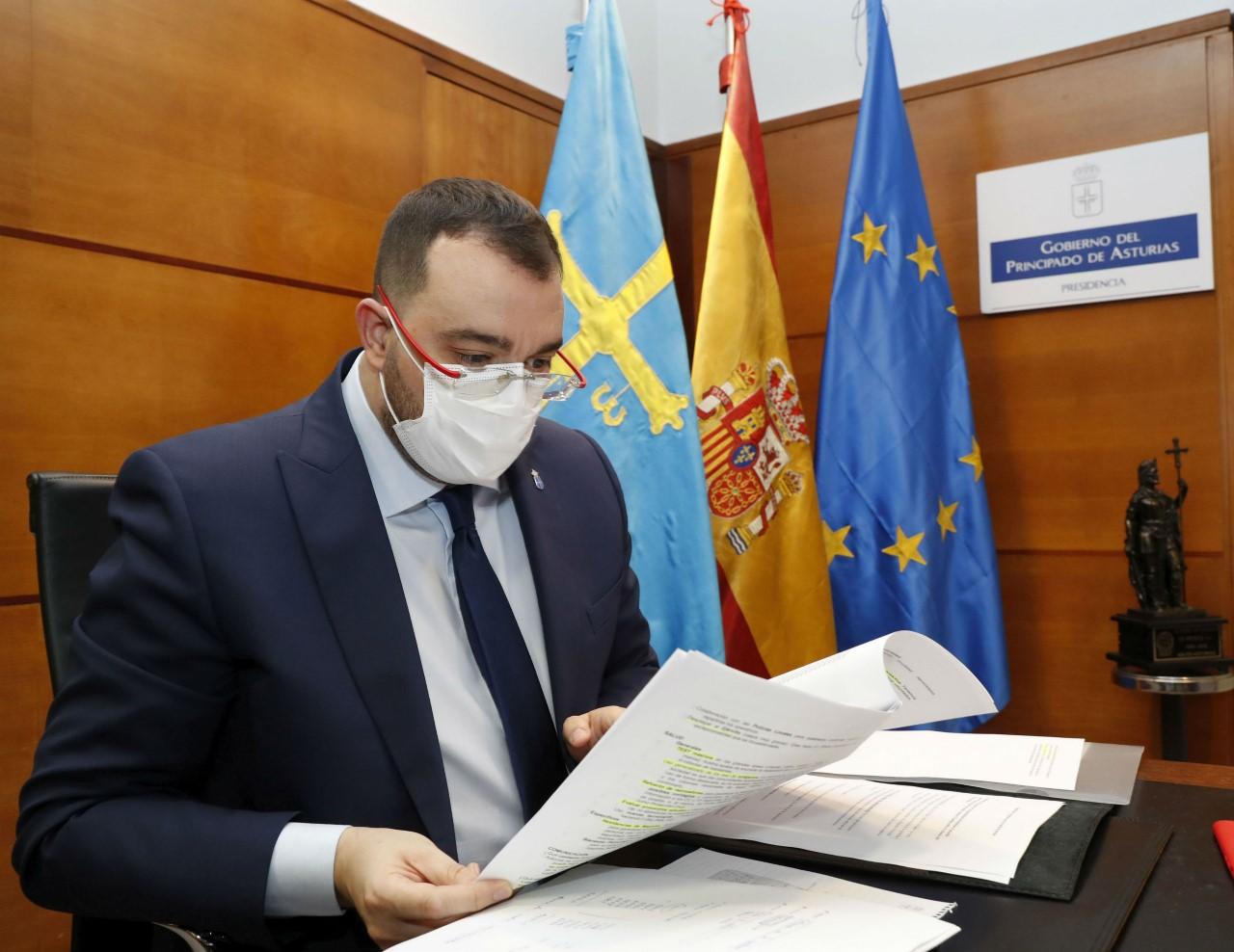 El pequeño comercio asturiano seguirá cerrado, al menos, una semana mas