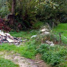 Localizados otros cuatro basureros piratas en Poo, Rales y en la carretera de Los Carrilles