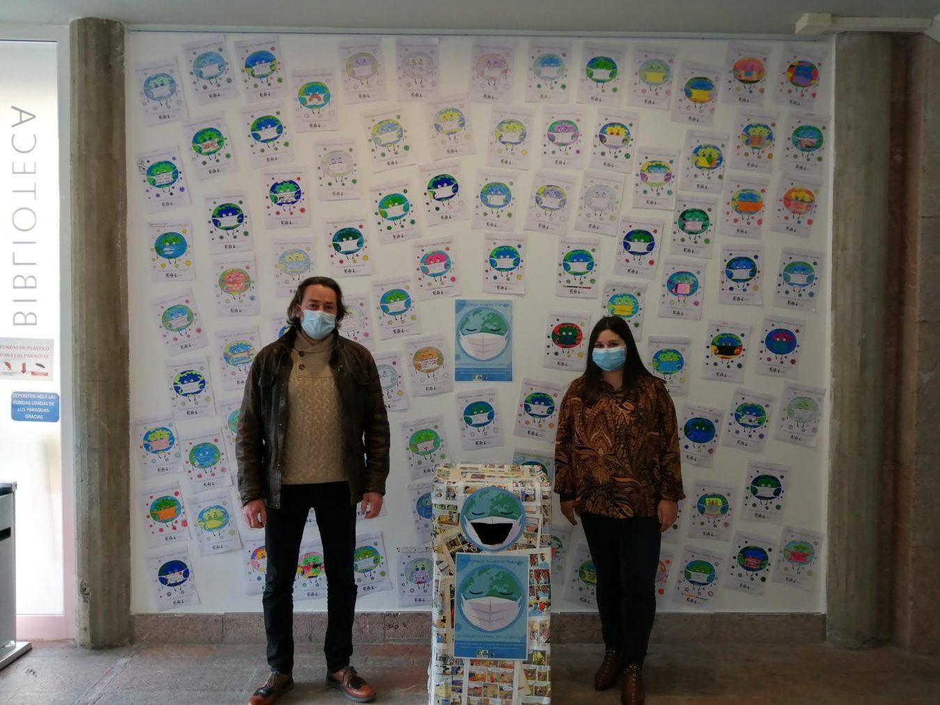 Escolares de Ribadesella participan en una campaña por el uso responsable de un residuo llamado mascarilla